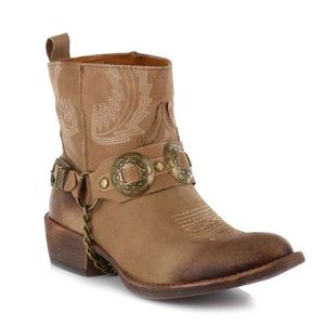 (NWOT) Coconuts by Matisse Hoss Harness Boot